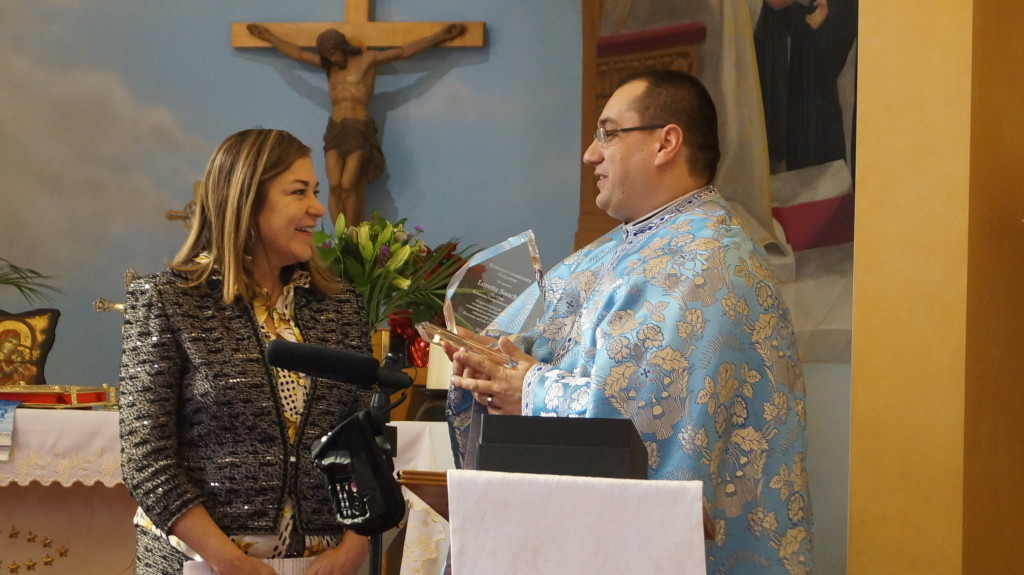 Loretta Sanchez - award din partea Romanian Community Coalition